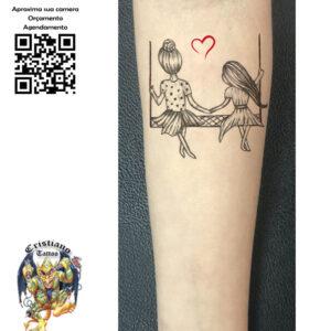 Mãe e filha no balanço - Tatuagem
