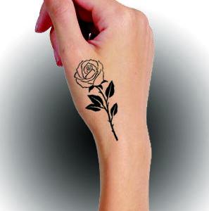 Rosa com folha preta - mão