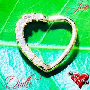 Piercing Daith - Coração cravejado - Banhado de ouro
