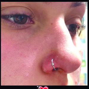 Argola com bolinha fixa - Nariz - Piercing